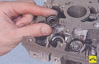Замена маслосъемных колпачков двигателя Лада Калина