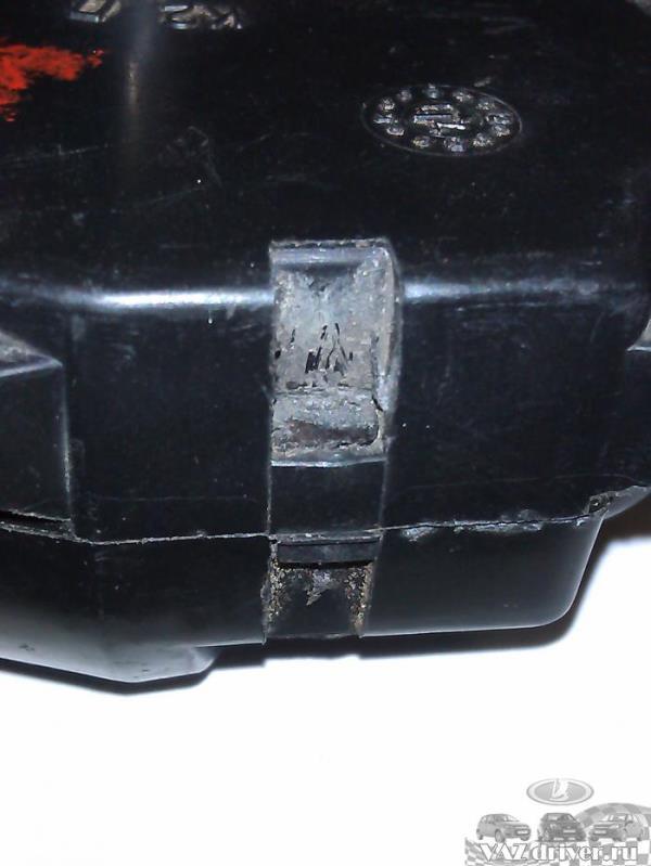 защелки на моторедукторе печки ваз-2110