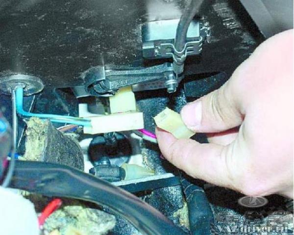 Как снимать вентилятор печки форд фокус 2