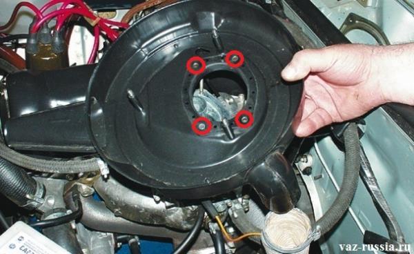 Дистанционные втулки показаны на фото в кружках