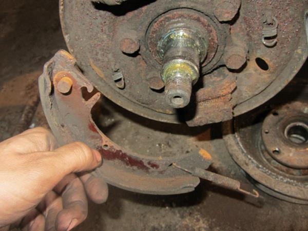 замена задних тормозных колодок на ВАЗ 2114-2115
