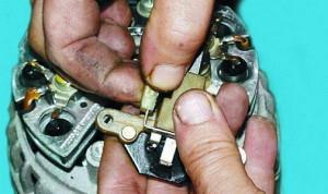 Фото разборки регулятора напряжения генератора ВАЗ 2110, vaz-repair.ru