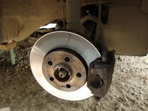 Лада Гранта: замена суппорта передних колес