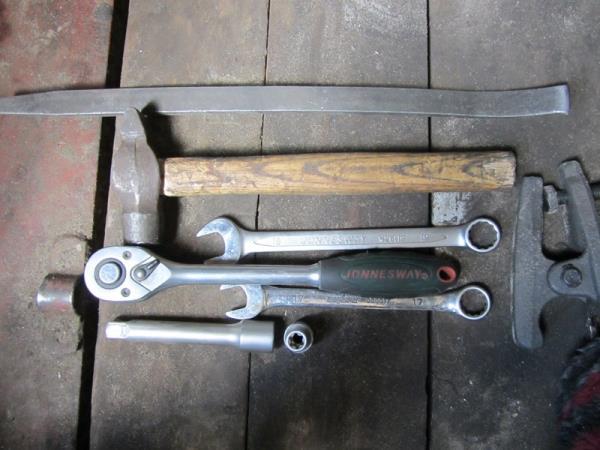 инструмент для замены шаровых опор на ВАЗ 2110-2112