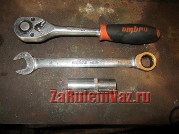 ключи для замены ДТОЖ на ВАЗ 2114-2115