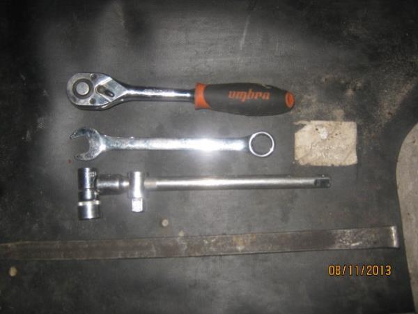 ключи для замены задних амортизаторов на ВАЗ 2101-2107