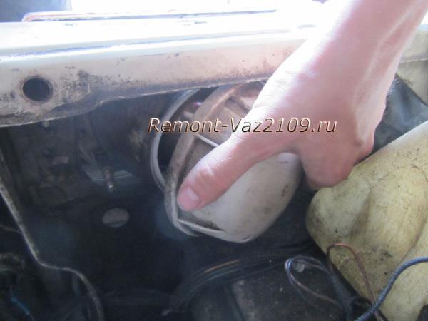 снятие крышки блок-фары ВАЗ 2109-2108