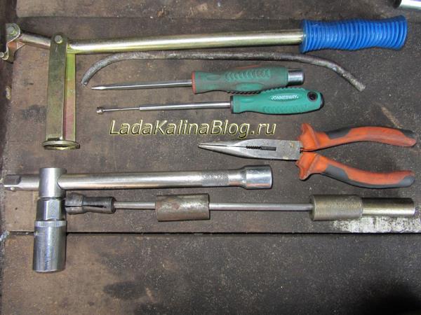 инструмент для замены маслосъемных колпачков на Калине