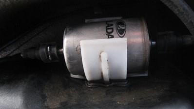 Как заменить топливный фильтр на автомобиле LADA Granta?