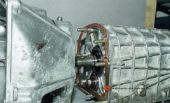 Картер сцепления КПП Ваз-2105