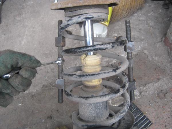 стягивание пружин стек на ВАЗ 2110