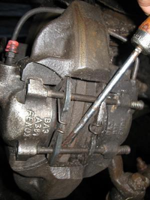 замена передних тормозных колодок на ваз 2107-2