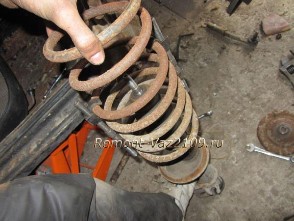 замена передних пружин на ВАЗ 2109-2108