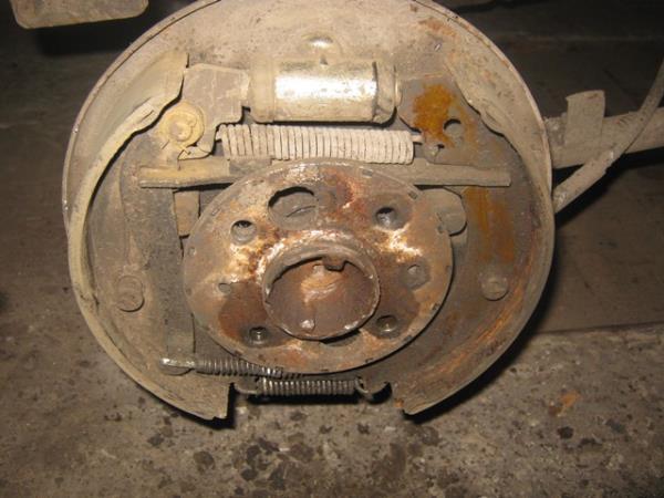 механизм задних тормозных колодок на ВАЗ 2101-2107