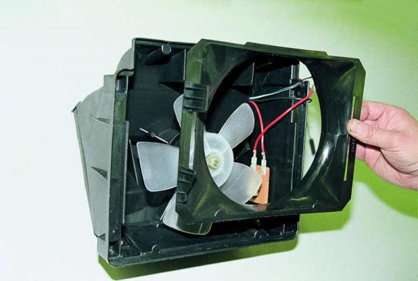Замена электровентилятора отопителя. ВАЗ 2106, 21061 (Жигули)