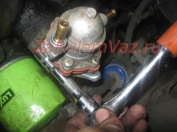 замена бензонасоса на ВАЗ 2107