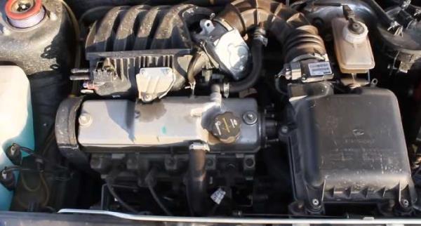 Моторный отсек ВАЗ 2114