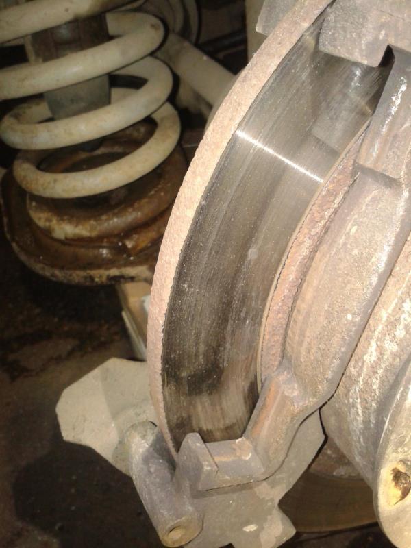 Замена задних тормозных колодок 21214
