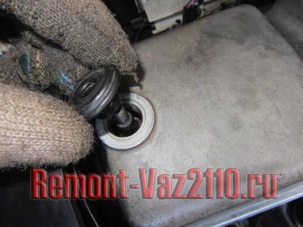замена резинки крышки клапанов ВАЗ 2110-2112