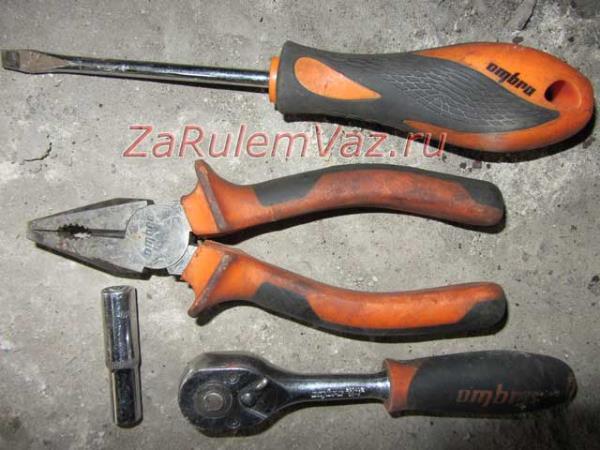 инструменты для замены задних тормозных колодок на Ладе Гранте