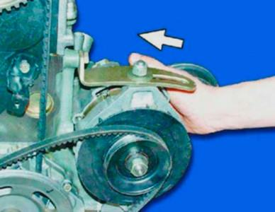 Сдвигаем генератор к мотору