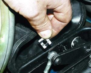 Фото замены тросика сцепления на ВАЗ 2110, лада2111.рф