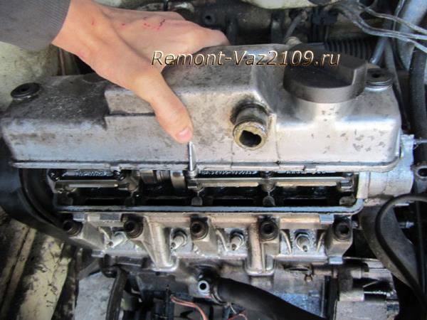 снятие клапанной крышки на ВАЗ 2109-2108