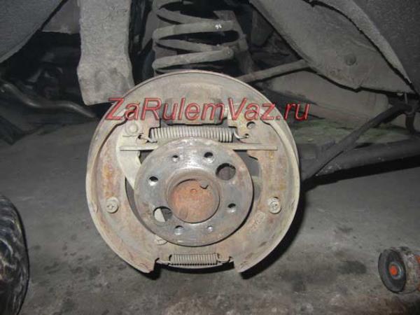 снятие тормозного барабана на ВАЗ 2101-2107