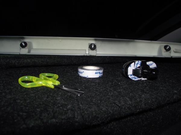 """Замена ламп подсветки номера на диодные белые - бортжурнал Лада Приора Хэтчбек """"Тонированный кварц 868"""" 2012 года на DRIVE2"""