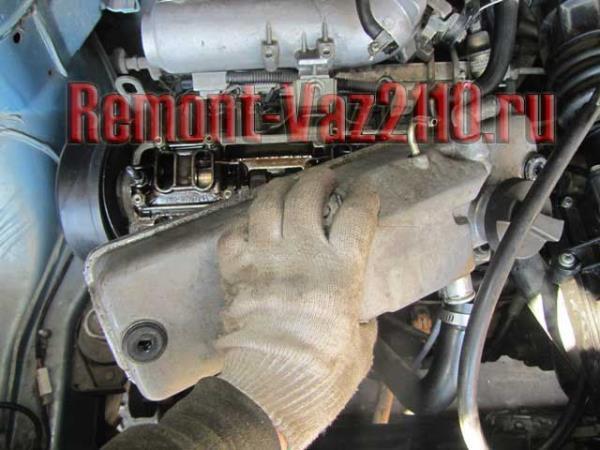 как снять клапанную крышку ВАЗ 2110-2112