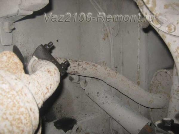 крепление глушителя к резонатору на ВАЗ 2106