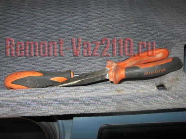 инструмент для замены личинок дверей на ВАЗ 2110-2112