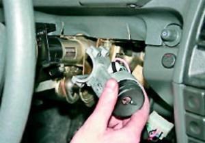 Замена замка зажигания ВАЗ 2110 своими руками