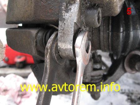 Замена передних тормозных колодок своими руками на автомобиле Интструмент для замены передних тормозных колодок на автомобиле 2108, ВАЗ 2109, ВАЗ 21099, ВАЗ 2110