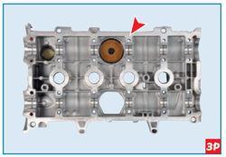 Нанесение герметика на привалочную поверхность крышки головки блока цилиндров Lada Largus