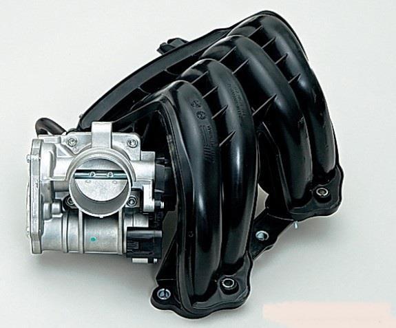 Снятый модуль впуска с дроссельным узлом 8-клапанного двигателя Лада Гранта (ВАЗ 2190)