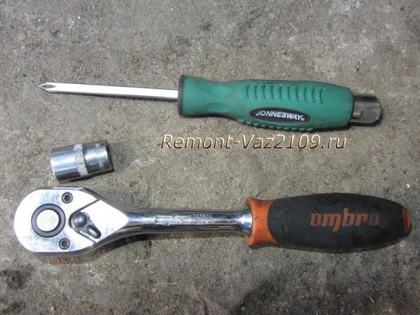 инструмент для замены охлаждающей жидкости на ВАЗ 2109-2108
