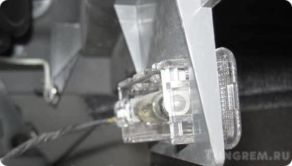 Замена лампы освещения багажника и бардачка Lada Kalina
