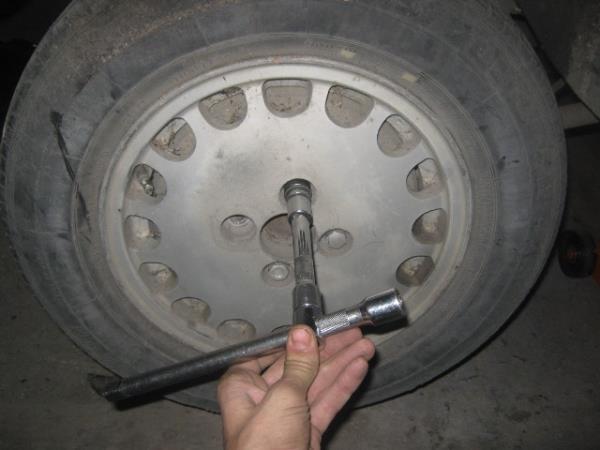 снятие заднего колеса на ВАЗ 2107