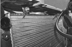 snjatie-zamena-ustanovka-radiatora-sistemy-okhlazhdenija-lada-priora 20