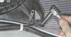 Снятие электровентилятора радиатора Лада Гранта