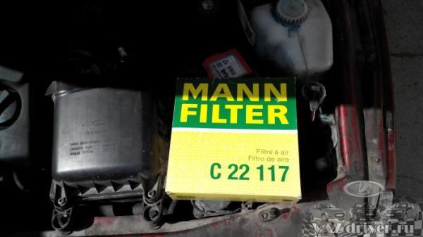 Воздушный фильтр двигателя ВАЗ-2110 MANN