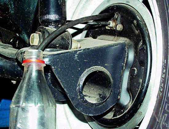 Замена тормозной жидкости ВАЗ 2110 своими руками