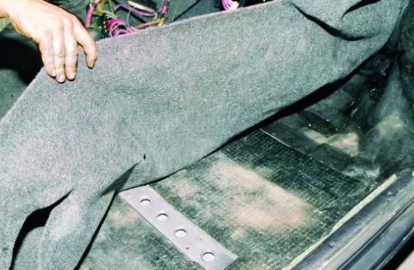 Замена коврового покрытия пола на ВАЗ