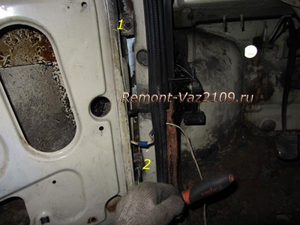 откручиваем двери на ВАЗ 2109-2108