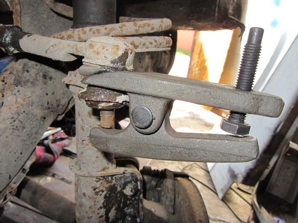 как снять рулевой наконечник на ВАЗ 2110-2112