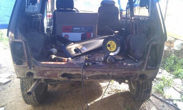 Замена задней панели и восстановление заднего бампера Нива-ВАЗ-2121-21213-21214-2131