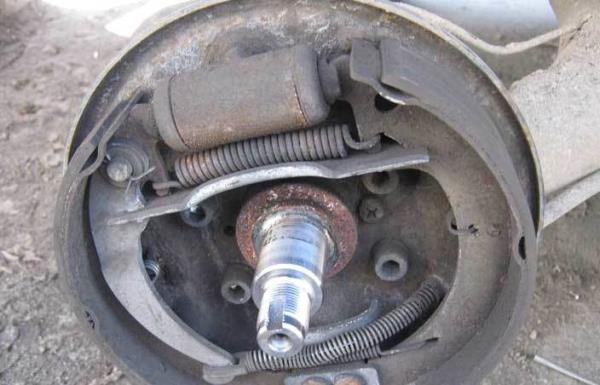 устройство задних тормозов ВАЗ 2110