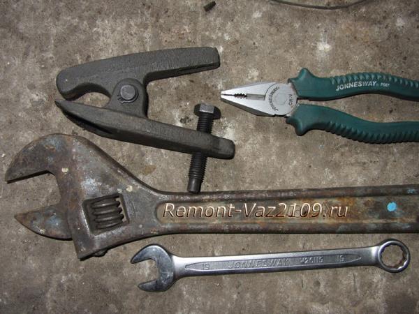 инструмент для замены рулевых наконечников на ВАЗ 2109-2108