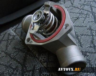 Замена термостата в автомобиле ВАЗ 2110